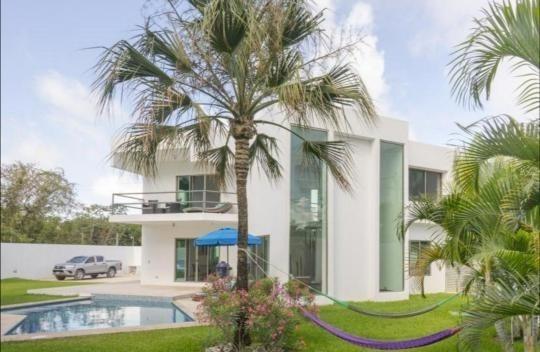 Hermosa Residencia En Venta Colonia Doctores Cancun.