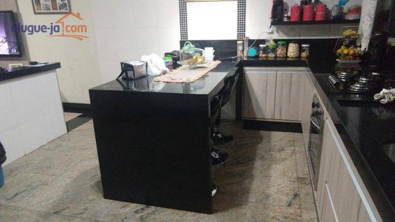 Sobrado Com 2 Dormitórios Com Hidromassagem Para Alugar Por R$ 1.600/mês - Jardim Del Rey - São José Dos Campos/sp - So0918
