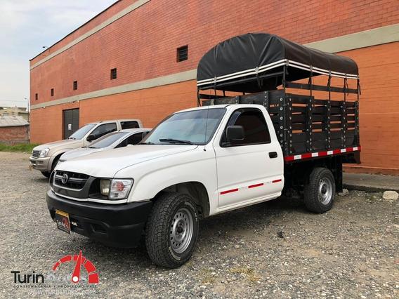 Toyota Hilux Estacas 2.4 2005
