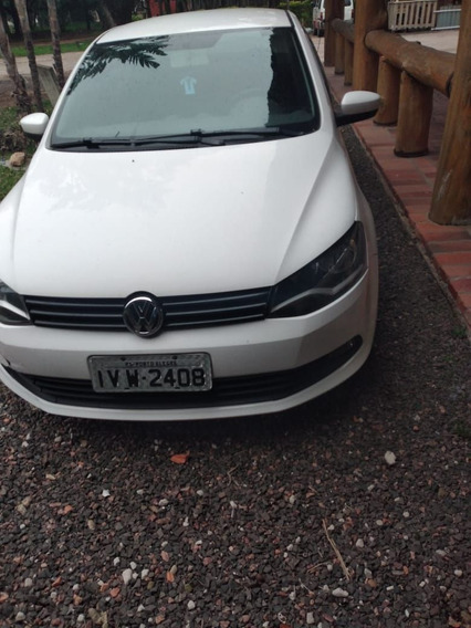 Volkswagen Voyage 2014 1.0 Bluemotion Tec Total Flex 4p