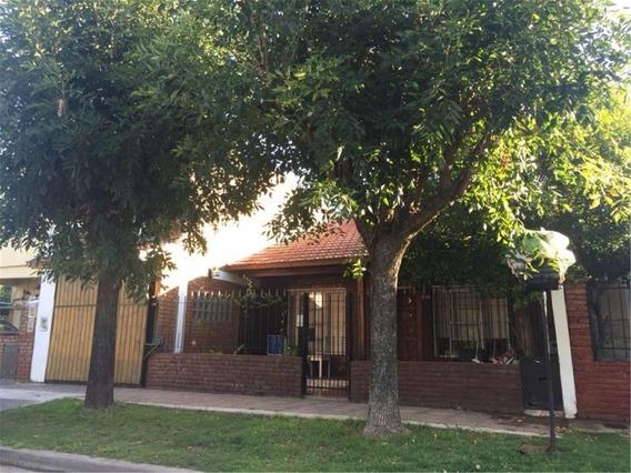 Hurlingham - Venta - Casa 4 Ambientes Con Cochera Y Quincho
