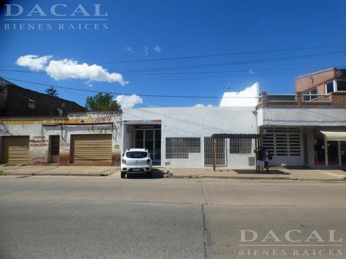 Imagen 1 de 22 de Local En Venta En La Plata Calle 122 E/ 75 Y 76 Dacal Bienes Raices