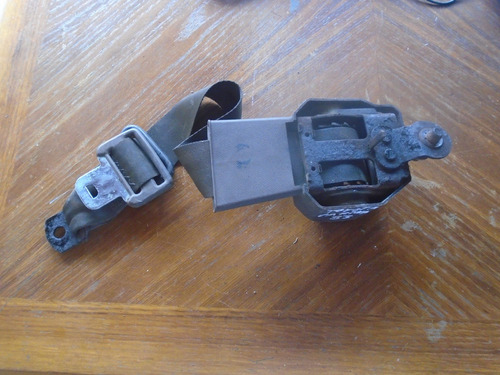 Vendo   Cinturon De Seguridad De Toyota Carinaaño 1983
