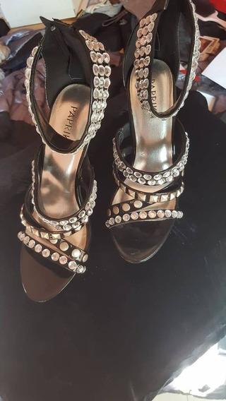 Sandalias Negras De Charol Con Cristales Stilleto Paruolo No