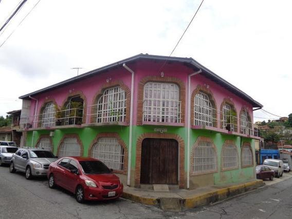 Casa De Uso Comercial En Venta 19-16950 Vj