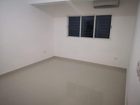 Apartamento En Los Prados De 3 Habitaciones