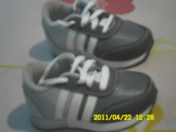 Zapato Deportivo adidas Gris Con Blanco Talla (21)