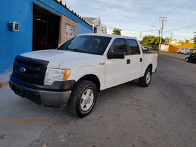 Ford F-150 Pick Up Lobo 4x4 Blanca.