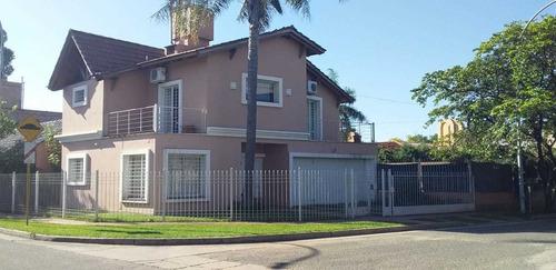 Casa En Venta De 3 Dormitorios En Barrio Las Rosas