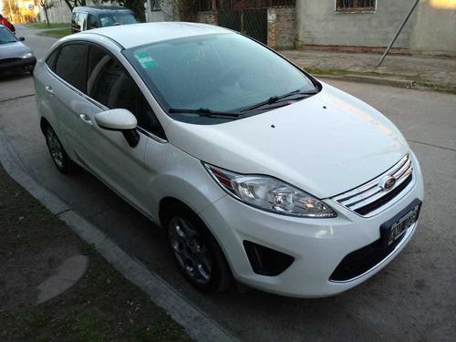 Ford Fiesta Kinetic Design 1.6 Design Sedan 120cv Trend 2011