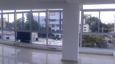 Rento Amplio Local En Gazcue, 3er Nivel Completo, 447mt.