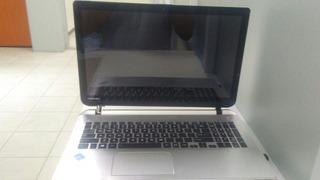 Laptop Toshiba 555t-95233 Satellite