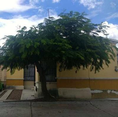 Casa En Lomas Del Mirador, Al Oriente De La Cd.