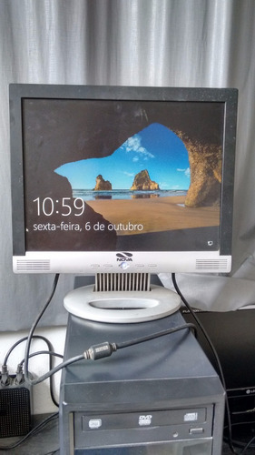 Vende-se Monitor Lcd De 15 Polegadas   Marca: Nova
