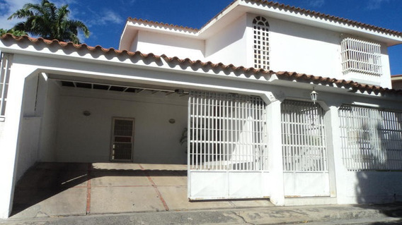 Casa En Venta En El Pedregal Barquisimeto Rahco