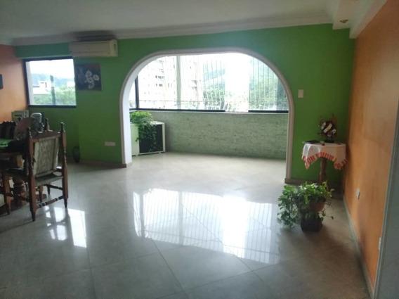 Economico Apartamento En Urb Andres Bello 04243693700