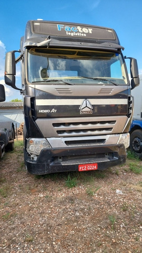 Caminhão Sinotruk  Howo A7 420 6x2 -  Ano 2012 -  Sucata
