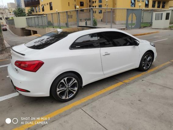 Kia Cerato Koup - 2015 - Version Mas Full De Mercado
