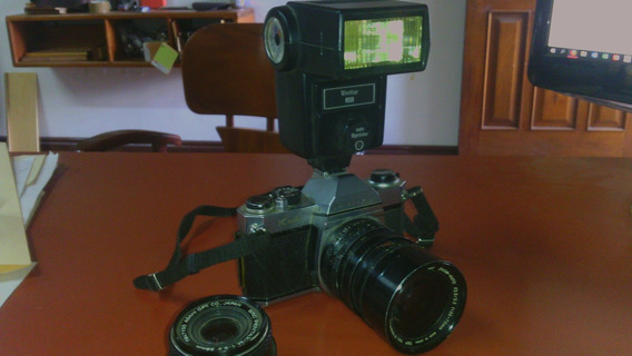 Cámara Pentax Con Flas Y Lente 70mm.