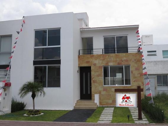 Casa En Venta En El Refugio, Queretaro, Rah-mx-21-114