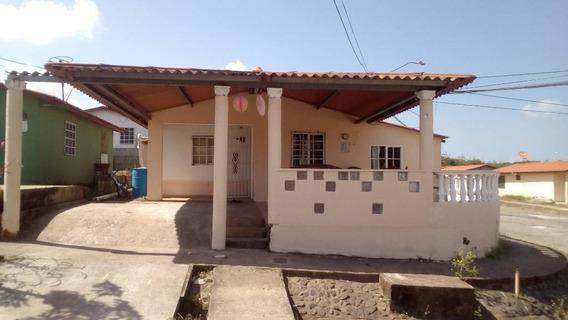 Venta De Casa En La Chorrera, Barriada Juan Pablo Ii. 80,000