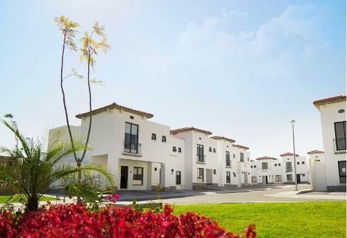 Preciosa Casa En San Isidro Juriquilla, 3 Recámaras, Alberca, 2.5 Baños, Estudio