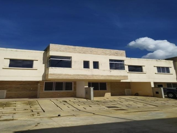 Townhouse Venta Cod:426670 Liseth Varela 0414 4183728