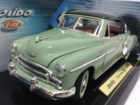 Chevrolet Bel Air - 1950 - 1/18 - (sólido)