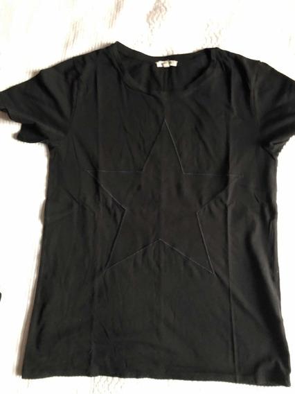 Remera Etiqueta Negra Talle M Color Negro Con Estrella.
