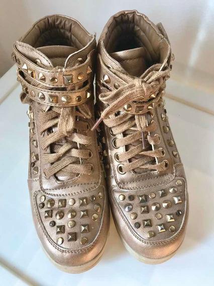 Zapatillas Botinetas Metalizadas C/tachas Doradas