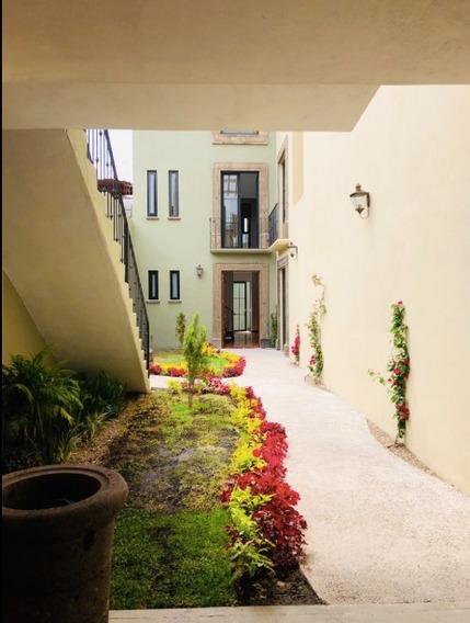 Casa En Venta En San Miguel De Allende. Con Departamento. A 5 Calles Del Centro