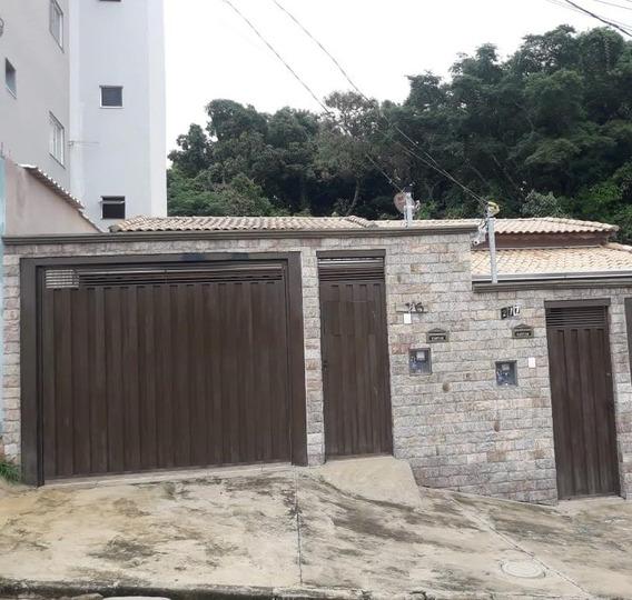 Casa À Venda No Bairro Jacaranda Em Pouso Alegre - Mg - Cs450v
