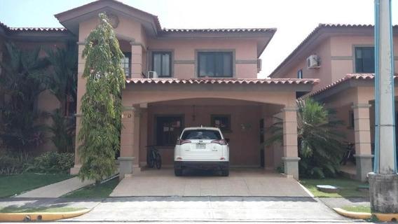 Casa En Venta En Clayton 19-8571hel**