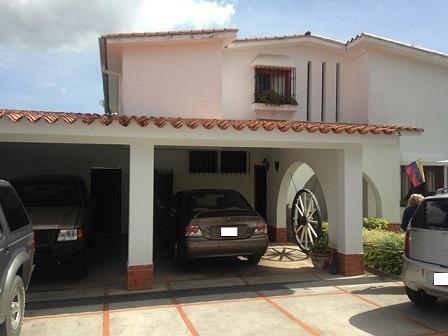 Casa En Venta La Trinidad Fr3 Mls19-16086