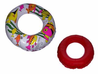 Boia Circular Estampado Com Peixes Fundo Vermelho 56cm