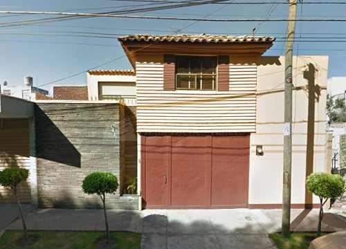 Se Vende Bonita Casa En Colonia El Mirador