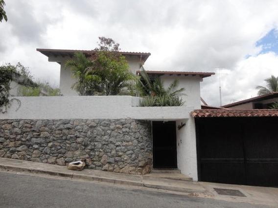 Bella Casa En Venta En Buena Zona Prados Del Este