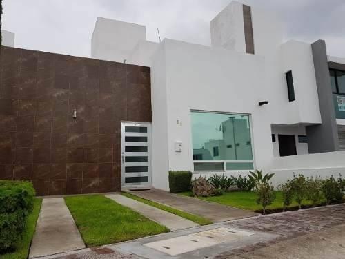 Hermosa Casa De Una Planta En Punta Esmeralda, 2 Recámaras