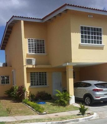 Se Vende Casa Duplex En Las Praderas De San Antonio