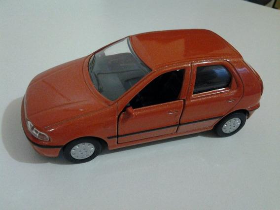 Miniatura Fiat Pálio