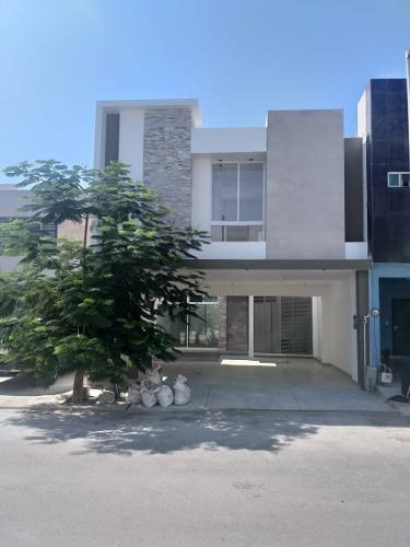 Casa En Venta En San Nicolas En Anahuac La Escondida