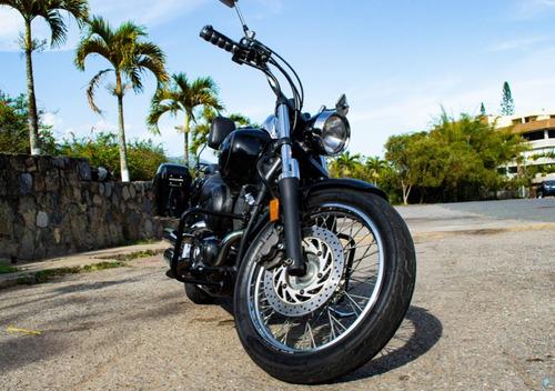 V-star Midnight Custom 650cc 2006