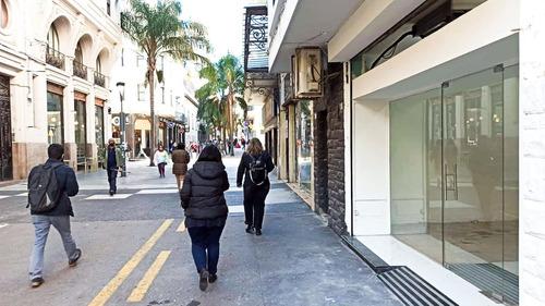 Sobre Peatonal Sarandí  Local A Estrenar