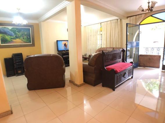 Casa De 4 Quartos Bairro Alípio De Melo - 4655