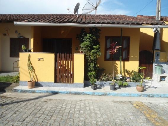 Casa Em Condomínio Com 02 Quartos - Crf 402