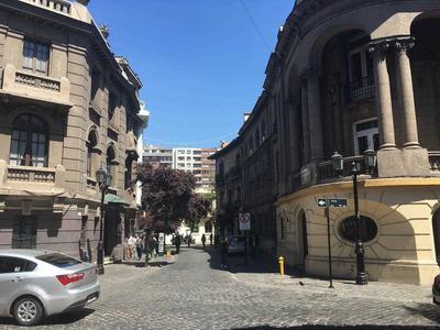 Barrio Patrimonial, Metro Universidad De Chile.