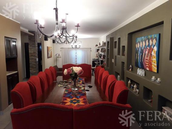 Venta De Hermosa Casa 4 Ambientes Con Cochera, Quincho Y Piscina En Wilde (26116)
