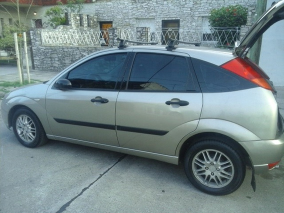 Ford Focus 1.8 I Ambiente 2003