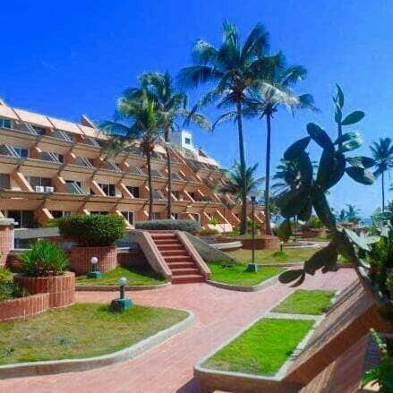 Apartamentos En Tucacas, 0241-8239522 Código 412493