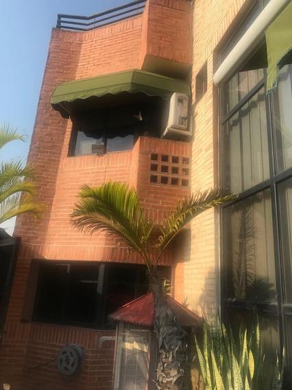 Hermoso Penthouse Ubicado En El Parral